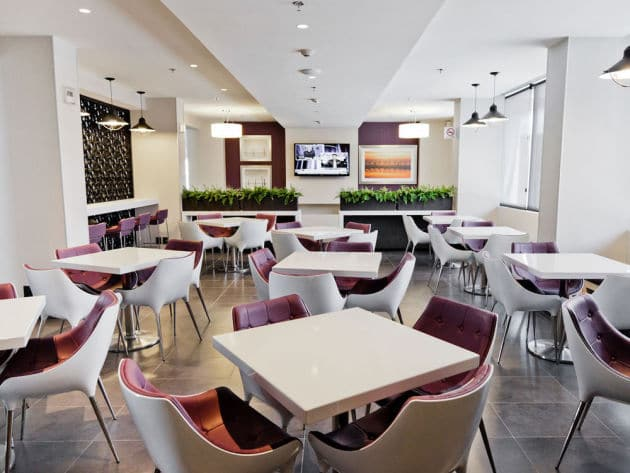 City Express Suites Hotel dining