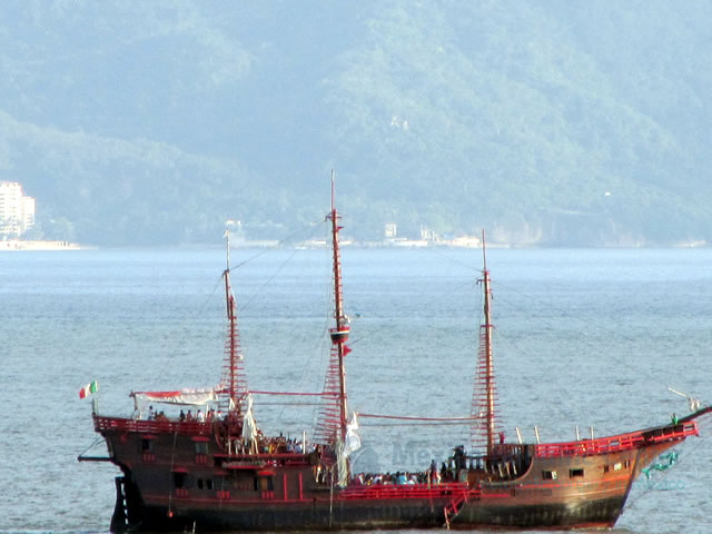 Puerto Vallarta Ship